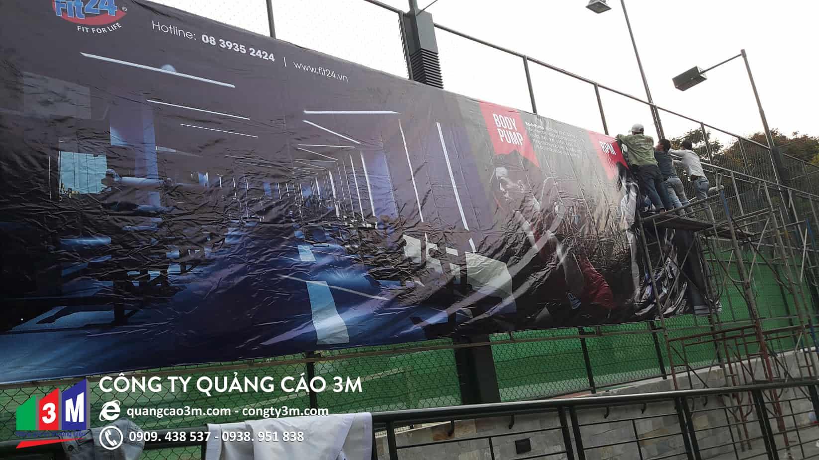 thi cong banner