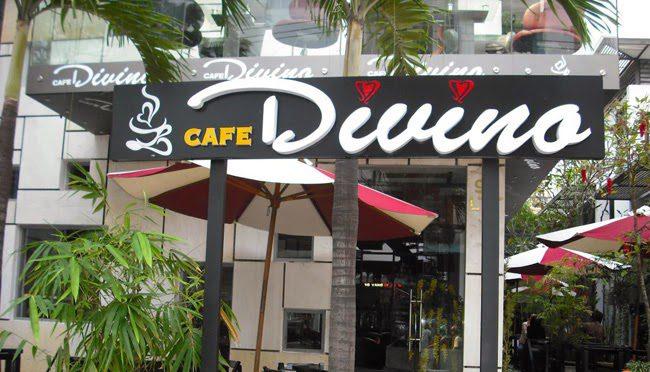 bảng hiệu cafe