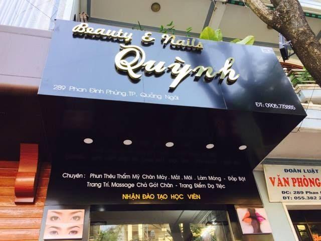 bảng hiệu tiệm tóc